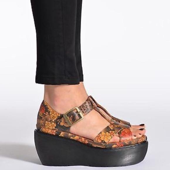 Platform Floral Tattoo Sandal NWT Adaya Cross Strap qS54ARjcL3